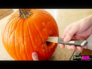 Risky Pumpkin Handjob-Get Caught by Mom
